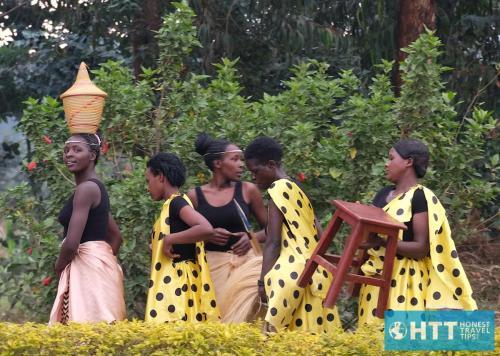 Rwanda Girl Look